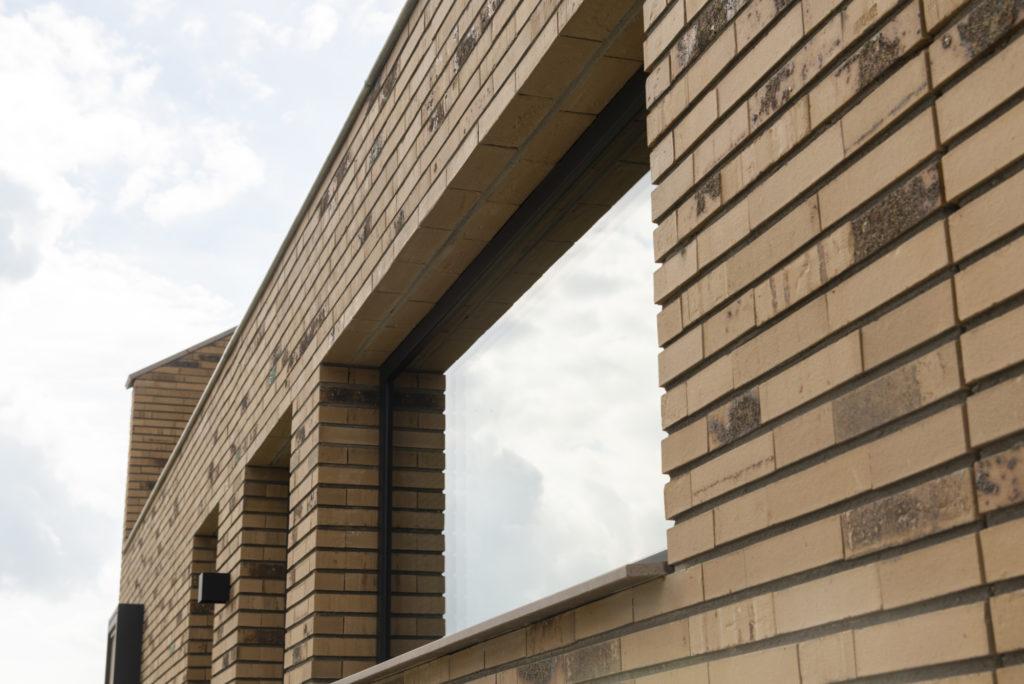 vrijstaande woning in baksteen - detail zijgevel